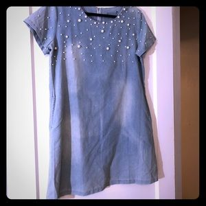 Dresses & Skirts - Denim dress adorned with pearls and pockets.